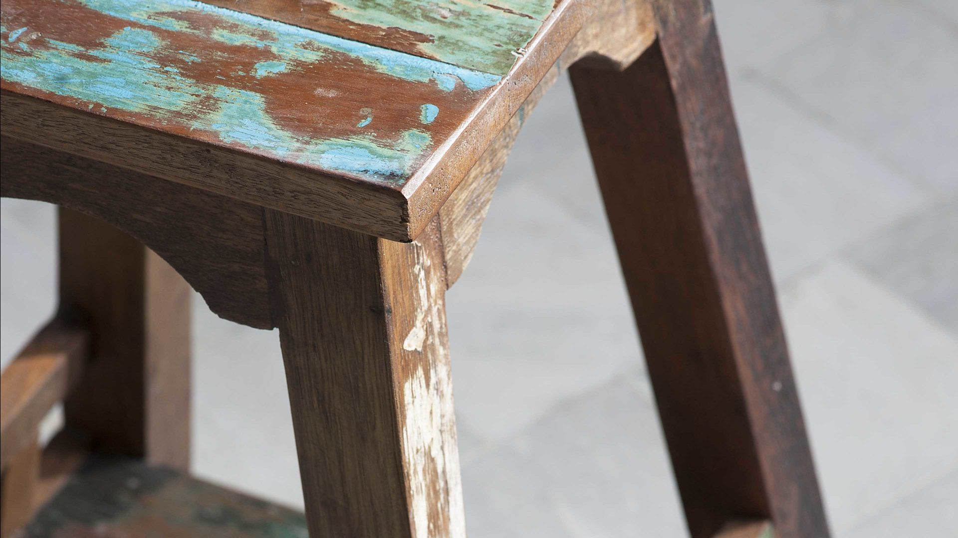 Holzhocker im Shabby-Vintage-Look, Altholz mit Farbspuren - Höhe ca ...